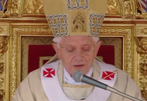 Papst Benedikt XVI. während Seligsprechung von Johannes Paul II., Bild: papst.co/kathspace.com