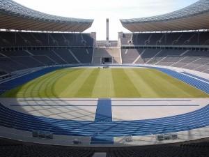 Papstmesse findet im Hertha-Stadion statt